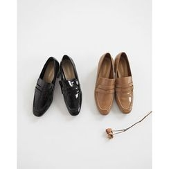 NIPONJJUYA - Stitched Patent Penny Loafers