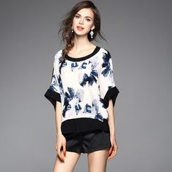 Y:Q - Batwing-Sleeve Printed Top