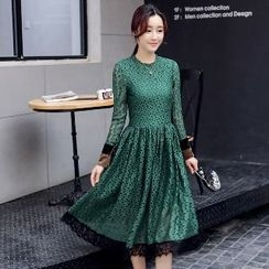 Romantica - Lace Pleated Dress