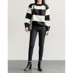 UPTOWNHOLIC - Round-Neck Color-Block Knit Top