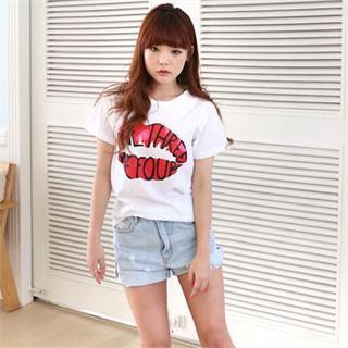 DL jini - Lettering on Lips Print T-Shirt