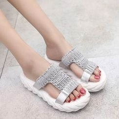 Zandy Shoes - Cable Knit Slippers