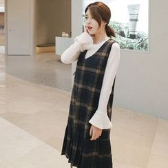 Queen Bee - Set: Bell-Sleeve Top + Plaid V-neck Pinafore Dress