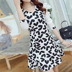 Q.C.T - Long-Sleeve Heart Pattern A-Line Dress