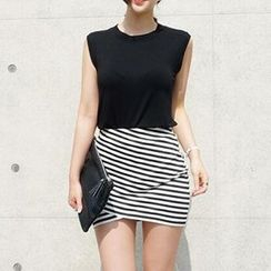 Jolly Club - Set: Tank Top + Striped Skirt