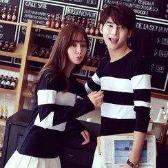 Evolu Fashion - Couple Matching Striped Long-Sleeve T-Shirt