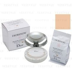Christian Dior - Diorsnow Bloom Perfect Brightening Perfect Moist Cushion SPF 50 PA+++ (#C10)