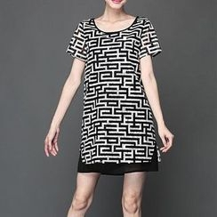 Mythmax - Short-Sleeve Paneled Printed Dress