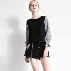 Halona - Set: Striped Blouse + Shorts