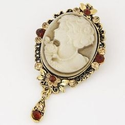Bling Thing - Cameo Brooch