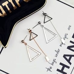 EFFIELER - Triangle Non-Matching Earrings