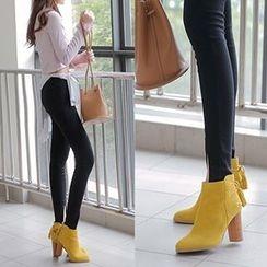 Gizmal Boots - 吊苏领带后粗跟及踝靴
