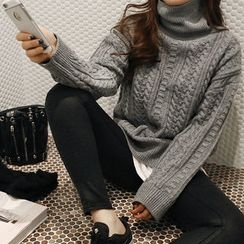 NANING9 - Turtle-Neck Cable Sweater