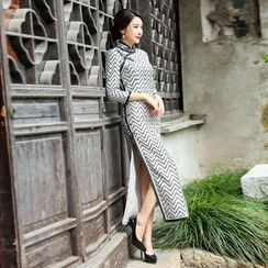 Miss Four Qipao - 3/4-Sleeve Striped Cheongsam