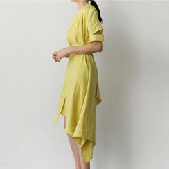 UPTOWNHOLIC - Cutout-Sleeve Dip-Back Linen Dress With Sash