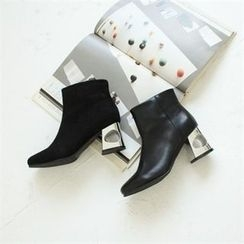 GLAM12 - Faux-Leather Ankle Boots