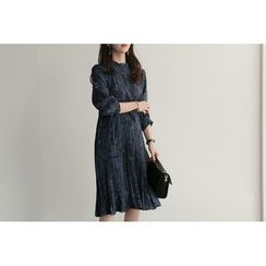UPTOWNHOLIC - Pleated-Hem Pattern Dress
