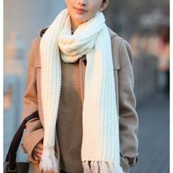 Azuki - Fringe Knit Scarf