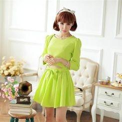 Porta - Set: Bow Accent 3/4-Sleeve Top + A-Line Skirt