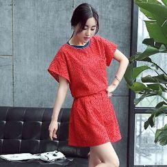 Romantica - 套装: 镂空蕾丝上衣 + 短裤