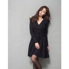 GUMZZI - Bow-Front Wrap Dress