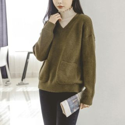 JUSTONE - V-Neck Dual-Pocket Sweater