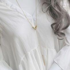 Love Generation - V Tasseled Necklace