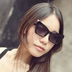 Sunny Eyewear - Cat Eye Sunglasses
