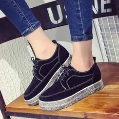 Yoflap - Platform Lace Up Sneakers