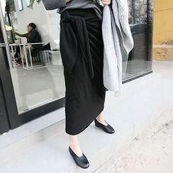 MARSHMALLOW - Maternity Tie-Waist Maxi Skirt