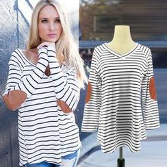 HOTCAKE - Panel Stripe V-neck Long-Sleeve T-shirt
