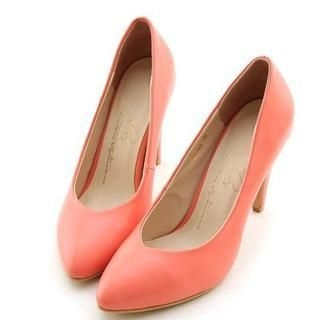 Miss Dora - Pointy-Toe Plain Pumps