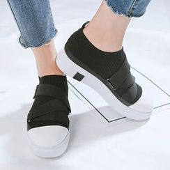 人本 - 厚底輕便鞋