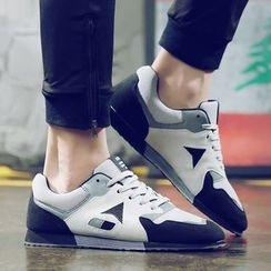 Araeo - 撞色休閒鞋