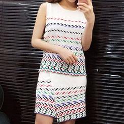 Fashion Street - 套装: 图案背心 + 短裙