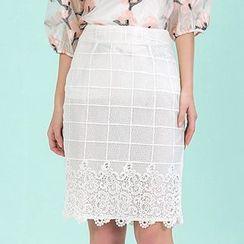 草莓花朵 - 蕾丝拼接裙