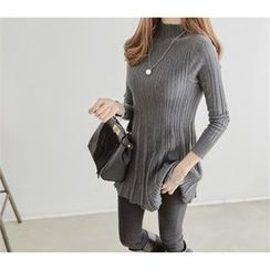 PEPER - Mock-Neck Long Rib-Knit Top