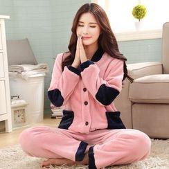 Dreamland - Couple Matching Fleece Pajamas