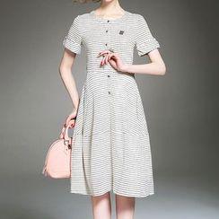Alaroo - 短袖格子连衣A字裙
