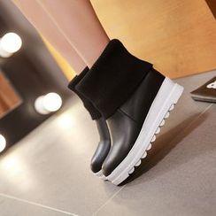 Pangmama - Paneled Platform Short Boots