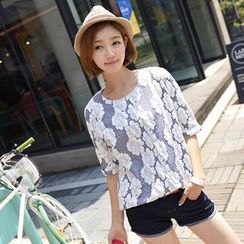 CLICK - Elbow-Sleeve Floral Pattern Top