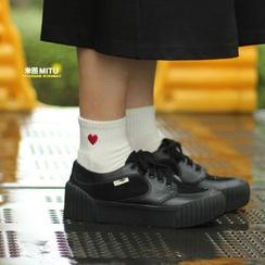 MITU - 刺繡愛心毛圈底純棉短襪