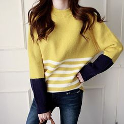 NIPONJJUYA - Stripe Pointelle-Knit Top