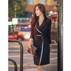GUMZZI - Shawl-Collar Belted Dress