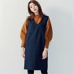 MAGJAY - Wool Blend Button-Accent Knit Top
