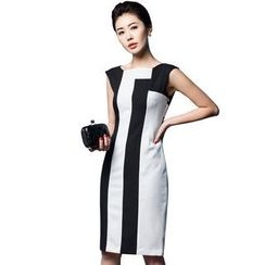Aision - Sleeveless Striped Dress