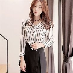 CHICLINE - V-Neck Stripe Blouse