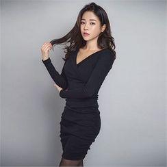 ERANZI - V-Neck Shirred Bodycon Dress