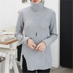 CHICFOX - Turtle-Neck Slit-Side Long T-Shirt