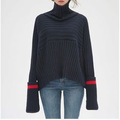 EFO - Turtleneck Sweater